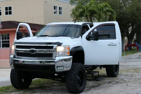 well maintained 2007 Chevrolet Silverado 2500 monster for sale