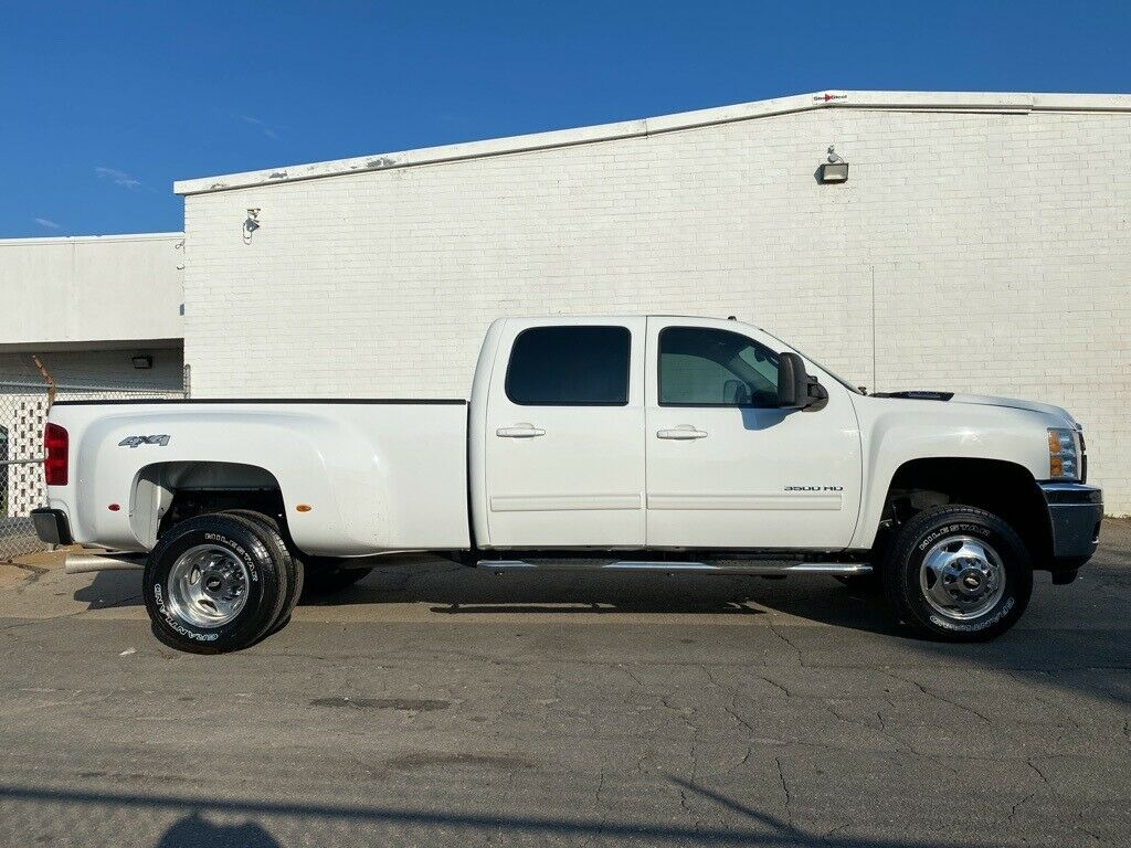 loaded 2014 Chevrolet Silverado 3500 LTZ monster