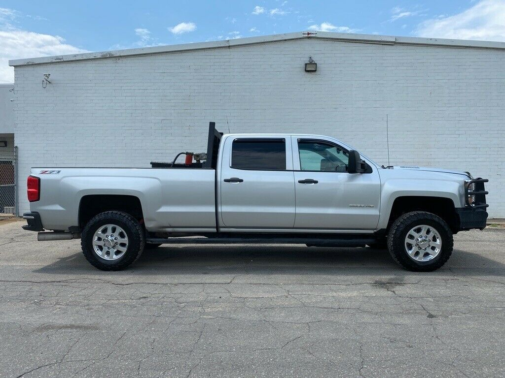 loaded 2015 Chevrolet Silverado 3500 LT monster