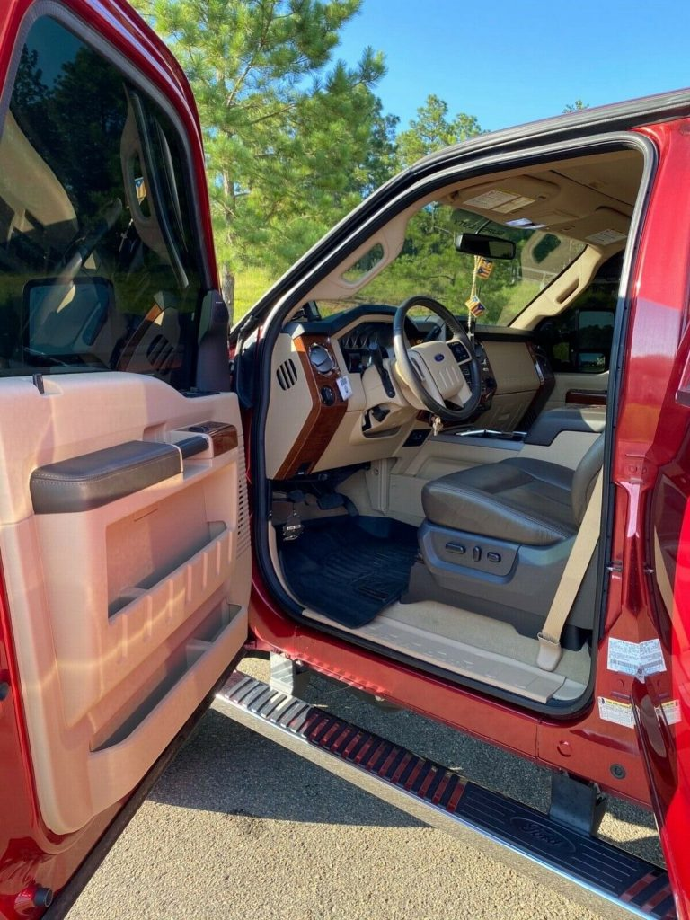 mint 2015 Ford F 250 Super DUTY monster